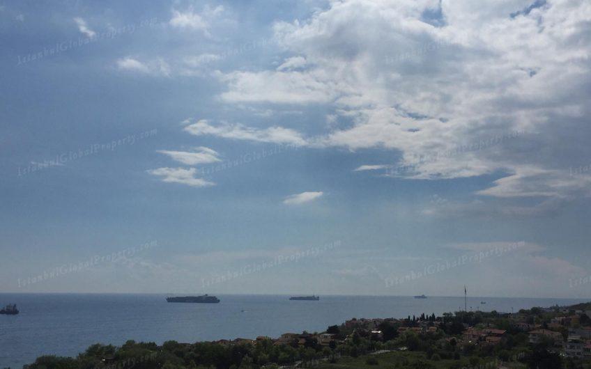 На пересечении моря и неба.